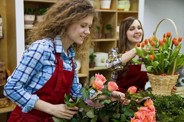 花屋のバイトは体力勝負でキツい?内容は?給料が安い?経験者が語ります。